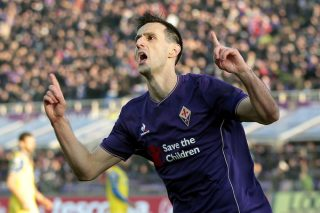 FLORENCE, ITALY - DECEMBER 20: Nikola Kalinic of ACF Fiorentina celebrates after scoring a goal during the Serie A match between ACF Fiorentina and AC Chievo Verona at Stadio Artemio Franchi on December 20, 2015 in Florence, Italy.  (Photo by Gabriele Maltinti/Getty Images)